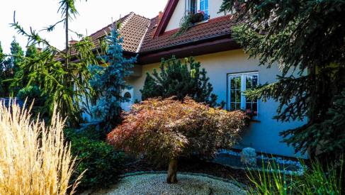 Do sprzedania wspaniały dom o powierzchni 241 m2 na działce z ogrodem 1120 m2 w Kamieńcu Wrocławskim oferta bez prowizji dla biura nieruchomości