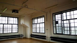 Do wynajęcia lokal w industrialnym stylu 175 m2 na biuro, usługi, również na cichą produkcję przy Placu Orląt Lwowskich dzielnica Stare Miasto
