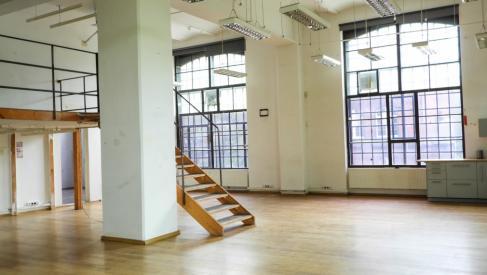 Do wynajęcia lokal 118.7 m2 na biuro, usługi, również na cichą produkcję przy Placu Orląt Lwowskich dzielnica Stare Miasto