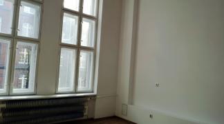 Do wynajęcia biuro 34 m2 w okolicach placu Orląt Lwowskich dzielnica Stare Miasto