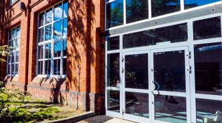 Do wynajęcia ogrzewana hala 410 m2 przy Robotniczej dzielnica Fabryczna oferta bez prowizji dla biura nieruchomości